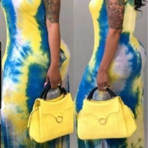 Tank sleeves are on this  yellow 💛 & blue   dress